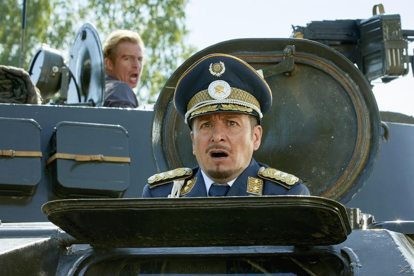 Semir y Paul en un Tanque, en la Temporada 23 de Alerta Cobra